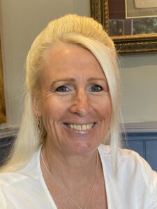 Gillian Caldicott has held senior HR and Training positions and uses her experience to work with clients to produce innovative and creative courses and programmes